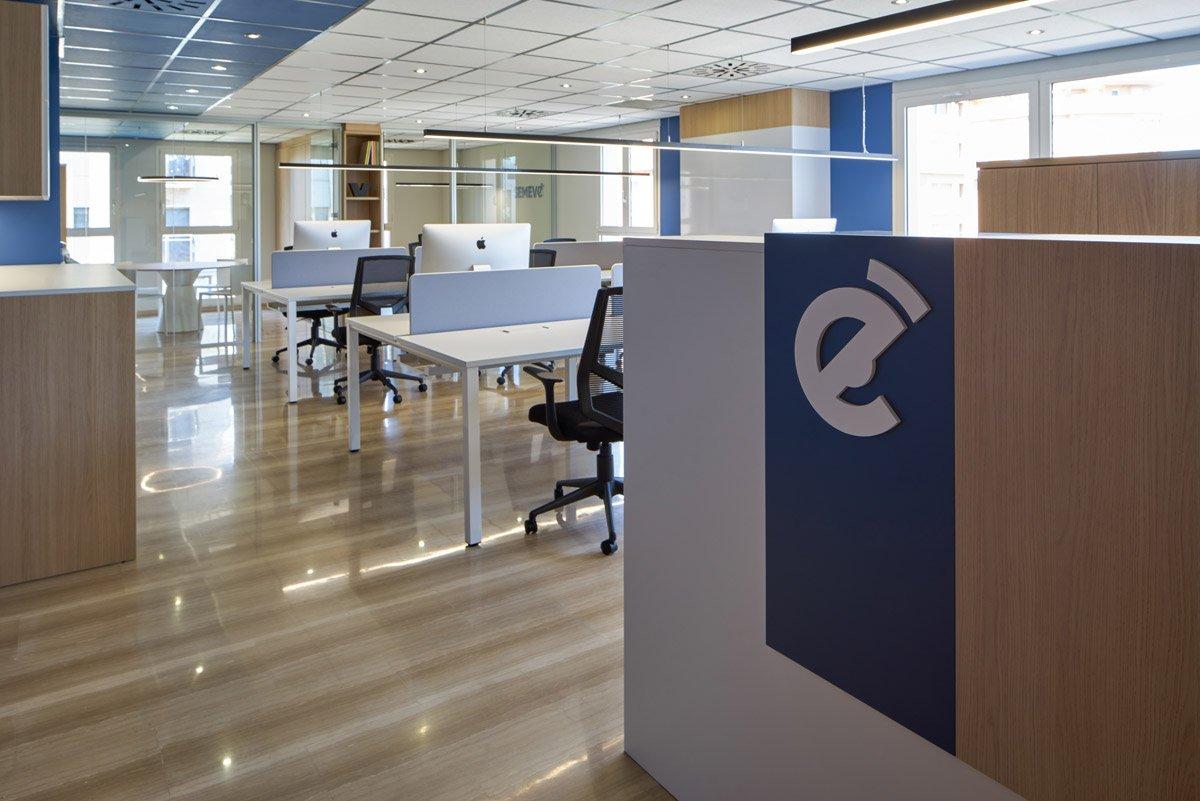 Entrada oficina en Valencia