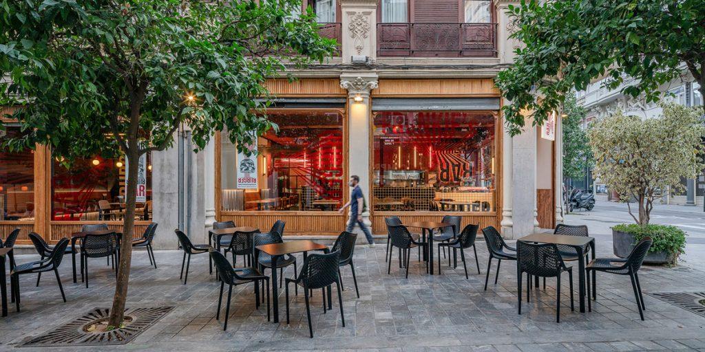 mobiliario de exterior para restaurante burguer